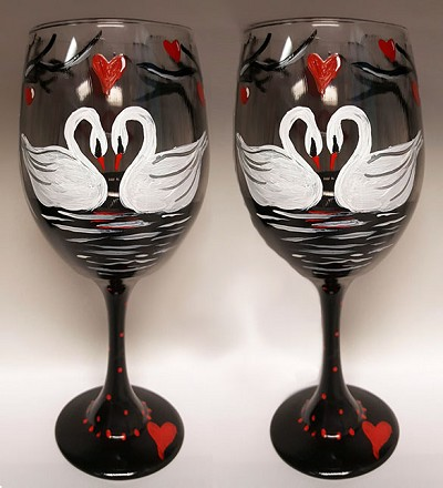 Sweetheart Swans Wine Glasses - Set of 2